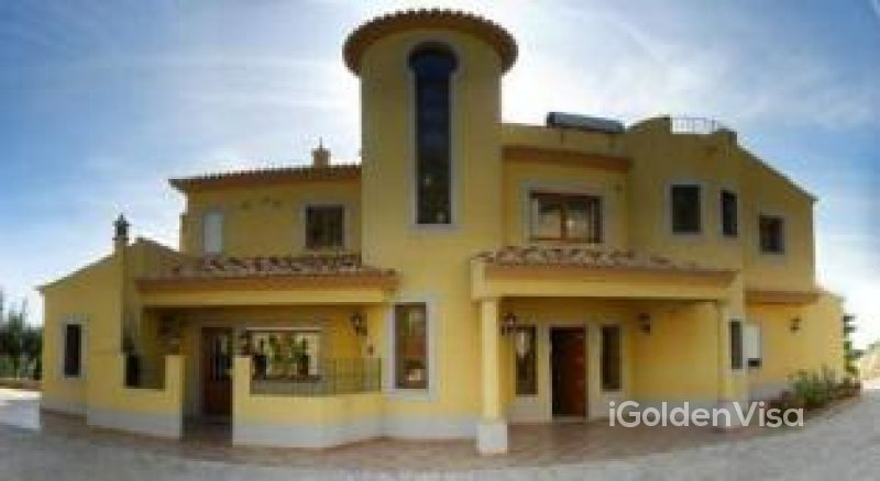 4 Bedroom Villa in Sta. Barbara de Nexe